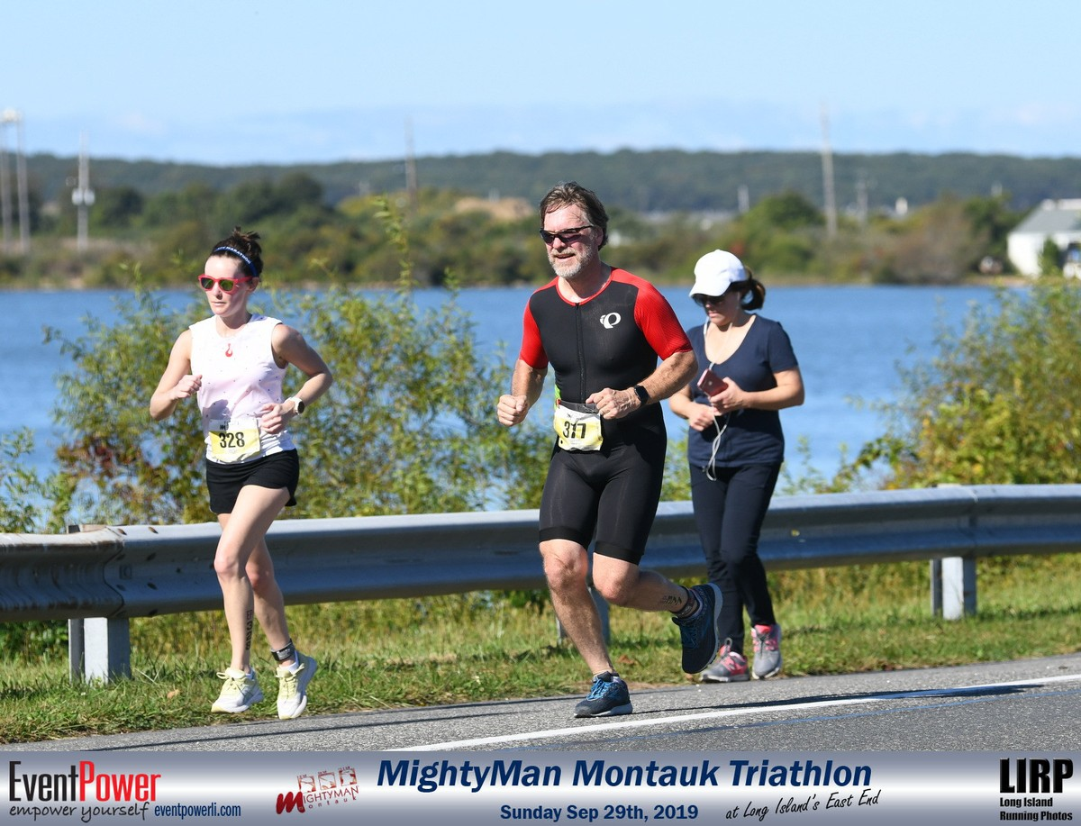 2019 MightyMan Olympic Triathlon. My First Oly. Running by Fort Pond